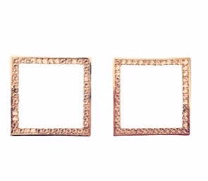14 kt gold plated square earrings with Swarovski detail