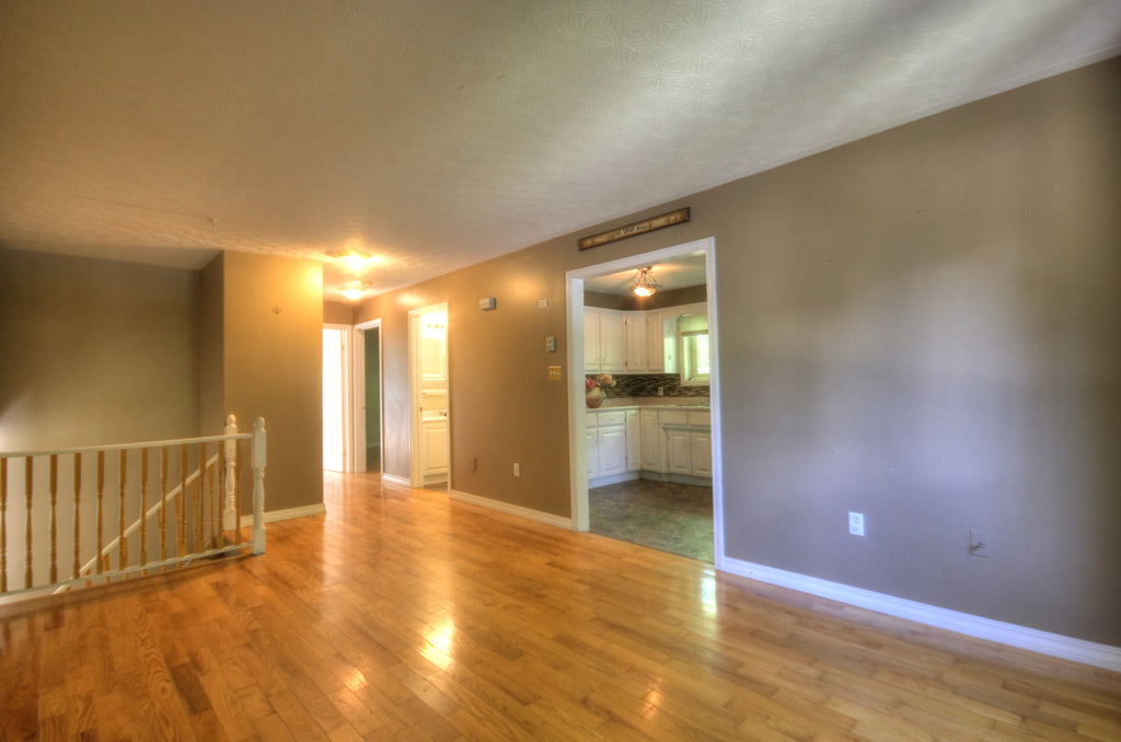 24 Jarvis Street - Re/Max Group Four Realty