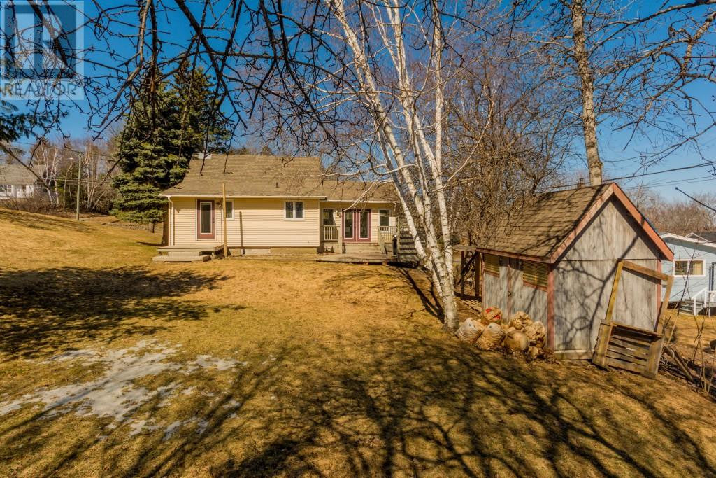 840 York Street - Re/Max Group Four Realty