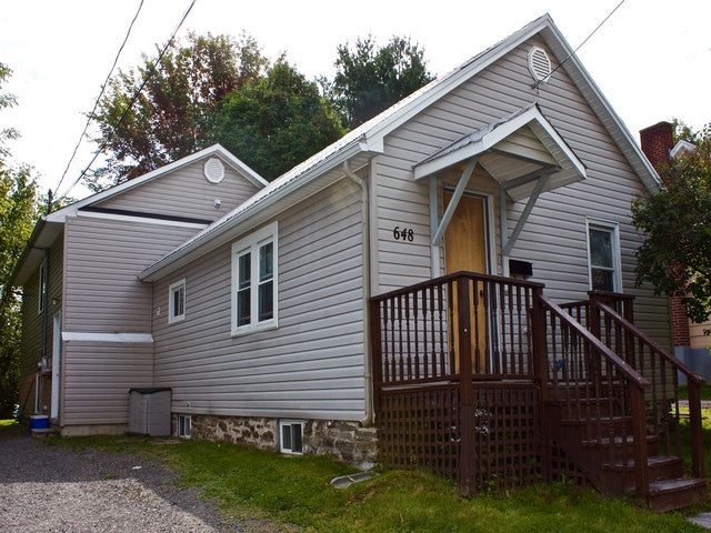 SOLD*** 648 Graham Ave - Re/Max Group Four Realty