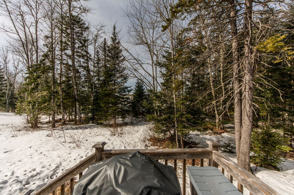 35 Terrace Drive, Rusagonis - Re/Max Group Four Realty