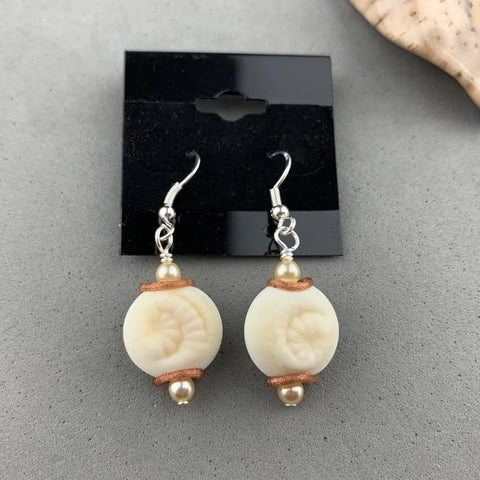 SHELL ~ HANDMADE GLASS BEAD EARRINGS