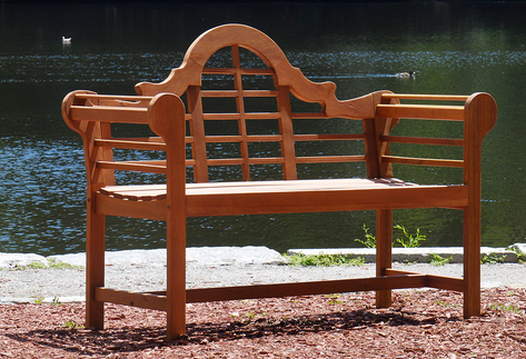 Lutyens Bench in Natural Finish