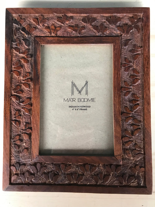 "Hand-carved Rosewood 4"" x 6"" Picture Frame"