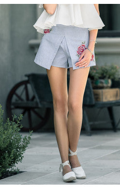 Flower Embroidered Stripe Short