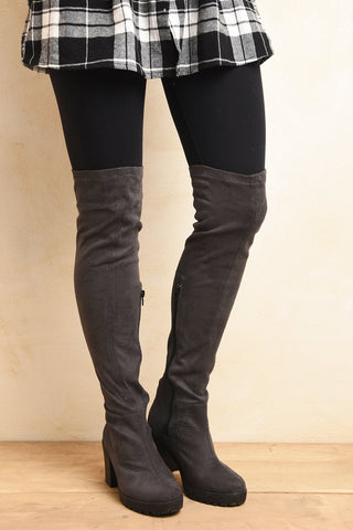 Pull over knee boot Gray