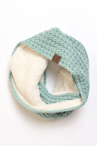 Cable knit infinity scarf Mint
