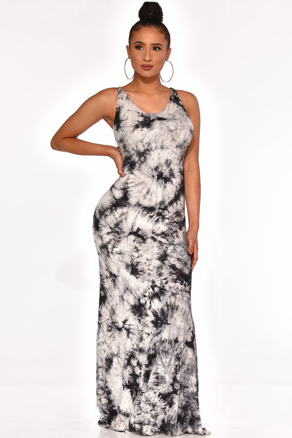 CITY STRUTING MAXI DRESS