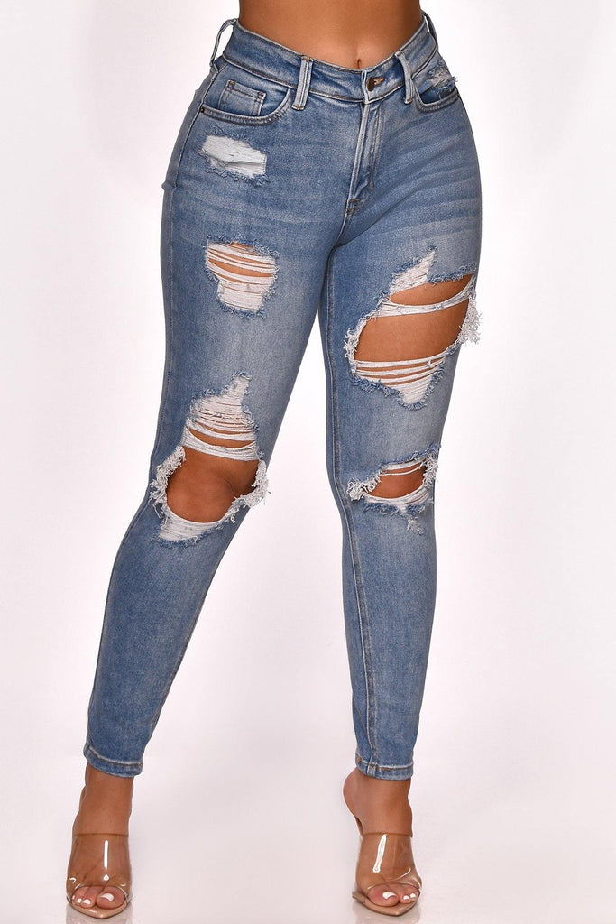 YOU NEED THESE DISTRESSED JEANS