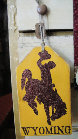 "Small ""Bucking Horse Wyoming"" Hang Tag"