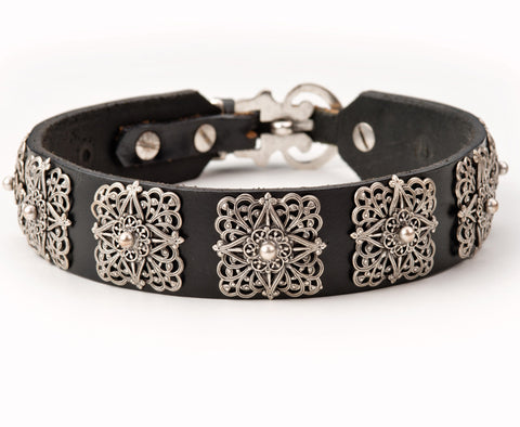 lucy leather dog collar
