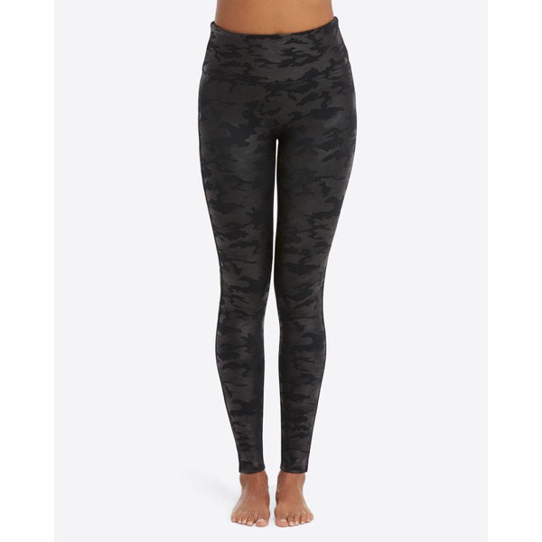 Faux Leather Camo Leggings SPANX - Matte Black Camo