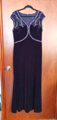 ALEX EVENINGS Vestido velvet stretch con aplicaciones. Talla 14