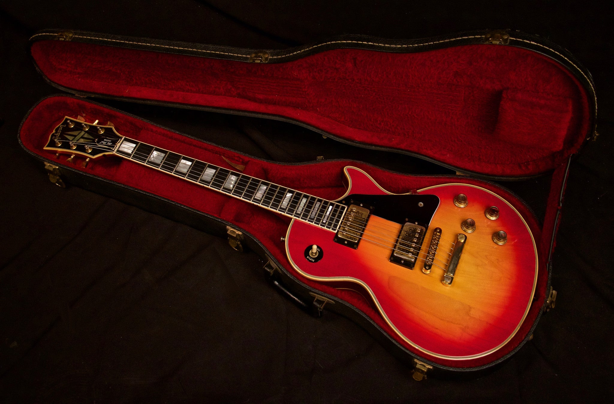 Gibson Les Paul Custom 1976 Vintage Electric Guitar in Original Hardshell Case