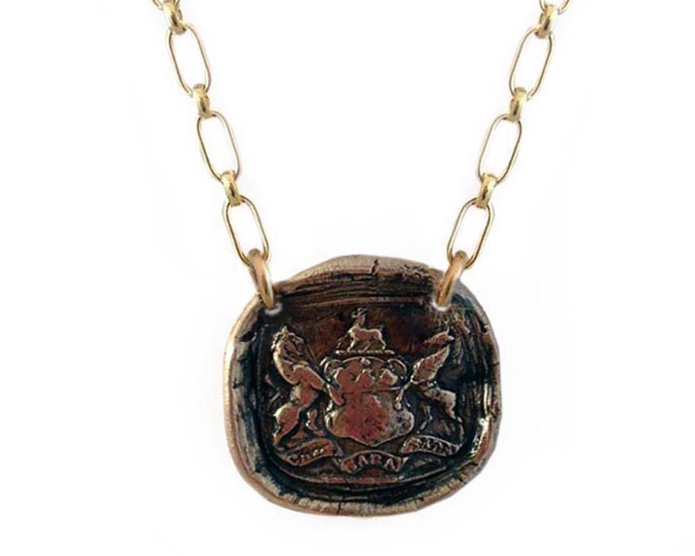 Che Sara Sara Wax Seal Charm Necklace