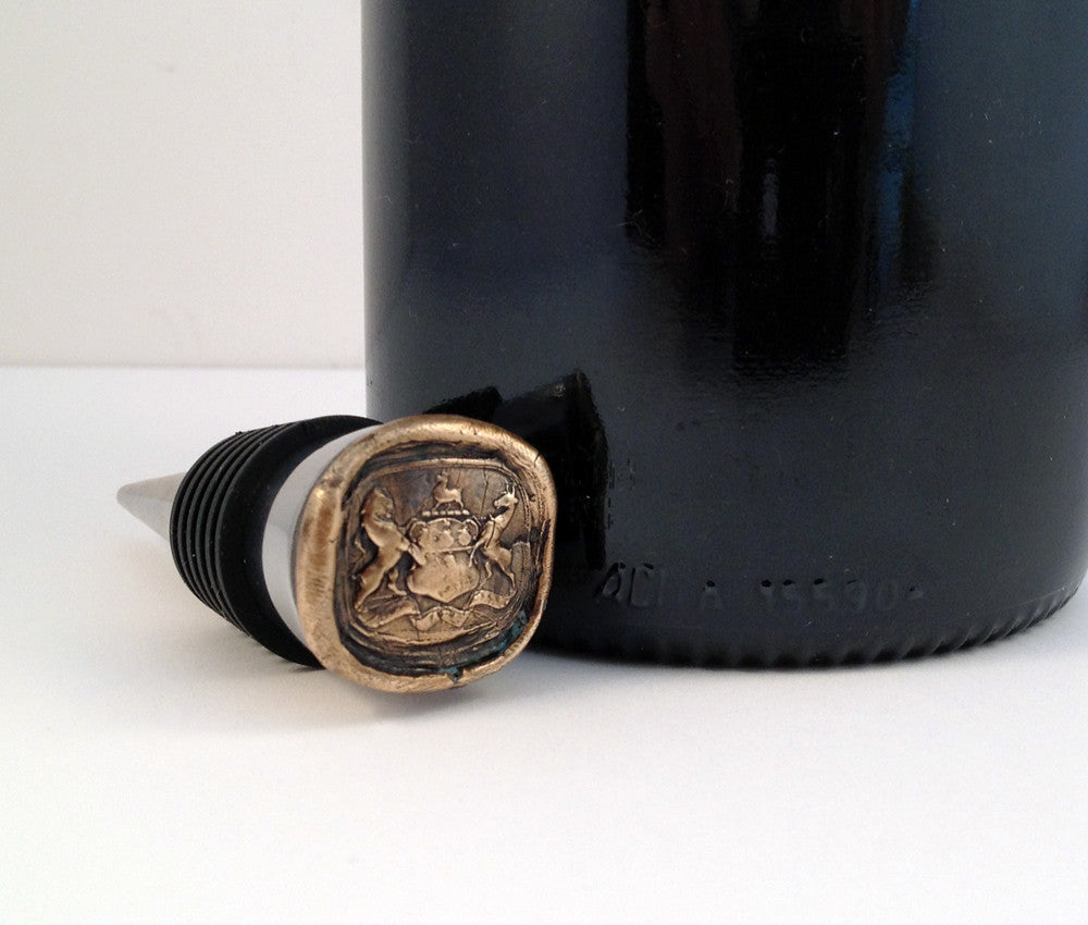 Bronze Che Sara Sara and Stainless Steel Wine Stopper