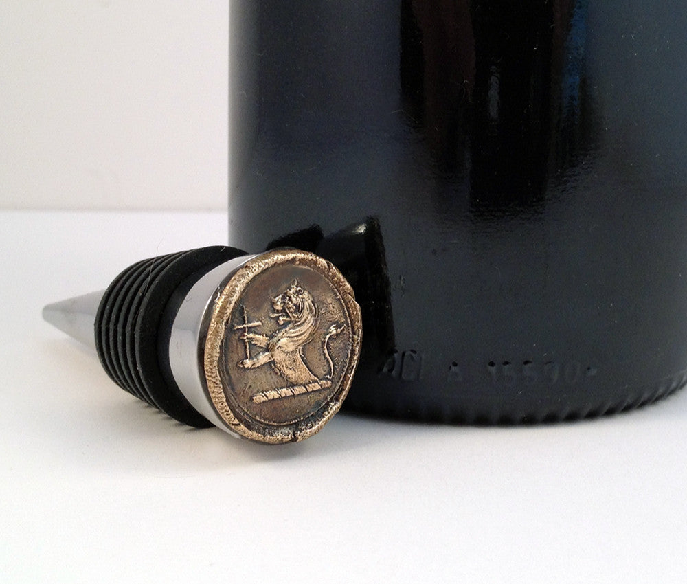 Bronze Lion with Cross and Stainless Steel Wine Stopper