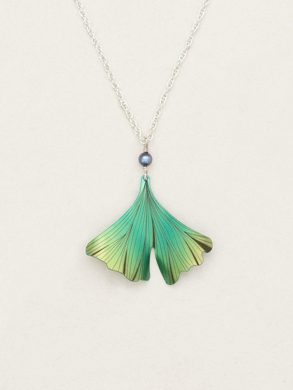 GREEN GINKGO PENDANT NECKLACE