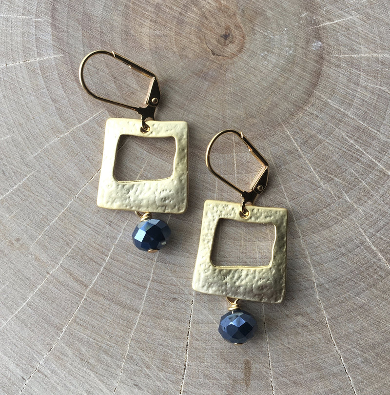 GOLD PLATED SQUARE AND NAVY GLASS CRYSTAL EARRING