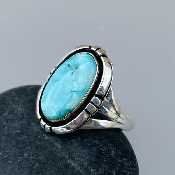 TWO WHITE HATS DEBBIE MALONEY STERLING SILVER RING BLUE JUNE TURQUOISE ARTIQUE GALLERY