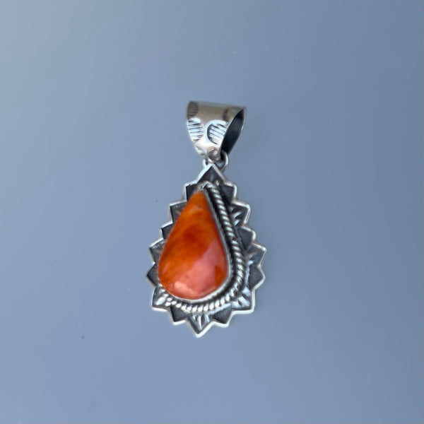 STERLING SPINEY OYSTER PENDANT