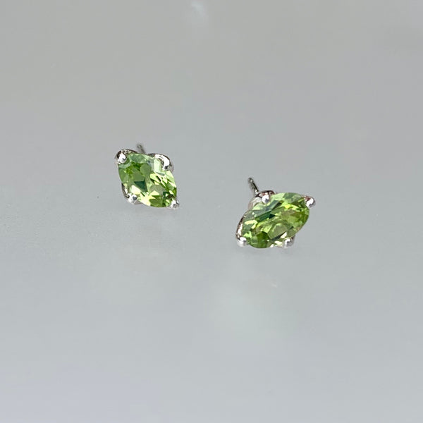 STERLING PERIDOT OVAL POST EARRING