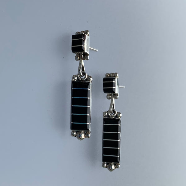 RECTANGLE ONYX INLAY STUD EARRINGS