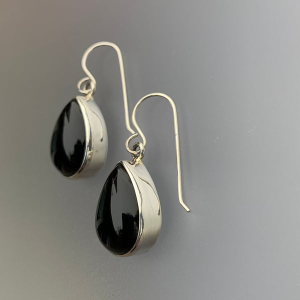 ONYX TEARDROP DANGLE EARRINGS SS