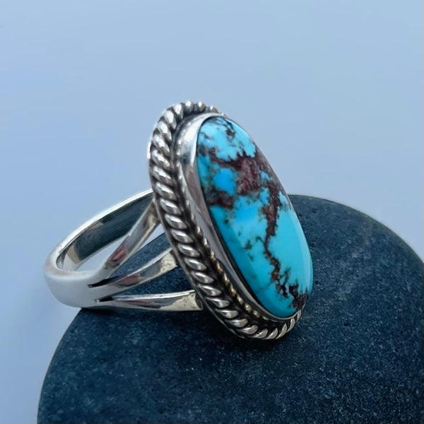 TWO WHITE HATS DEBBIE MALONEY STERLING SILVER RING OLD HILL TURQUOISE ARTIQUE GALLERY
