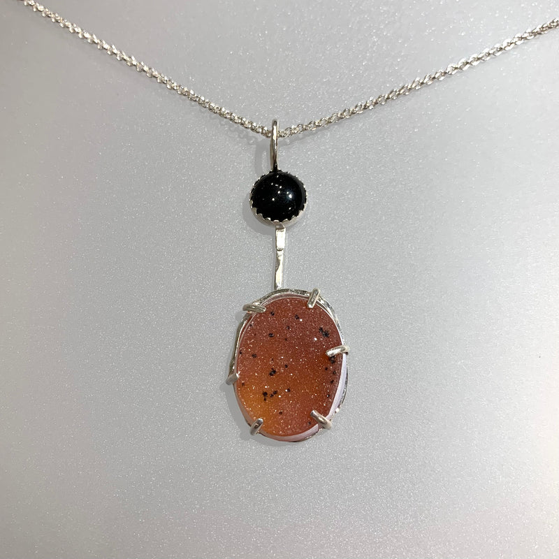BLACK ONYX AND CARNELIAN COLORED DRUZY NECKLACE