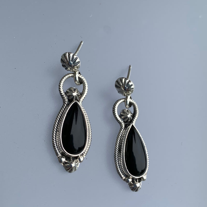 ONYX TEARDROP STUD EARRINGS