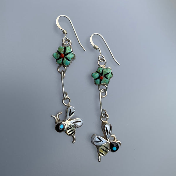 BEE AND FLOWER DANGLE EARRINGS (ZUNI)