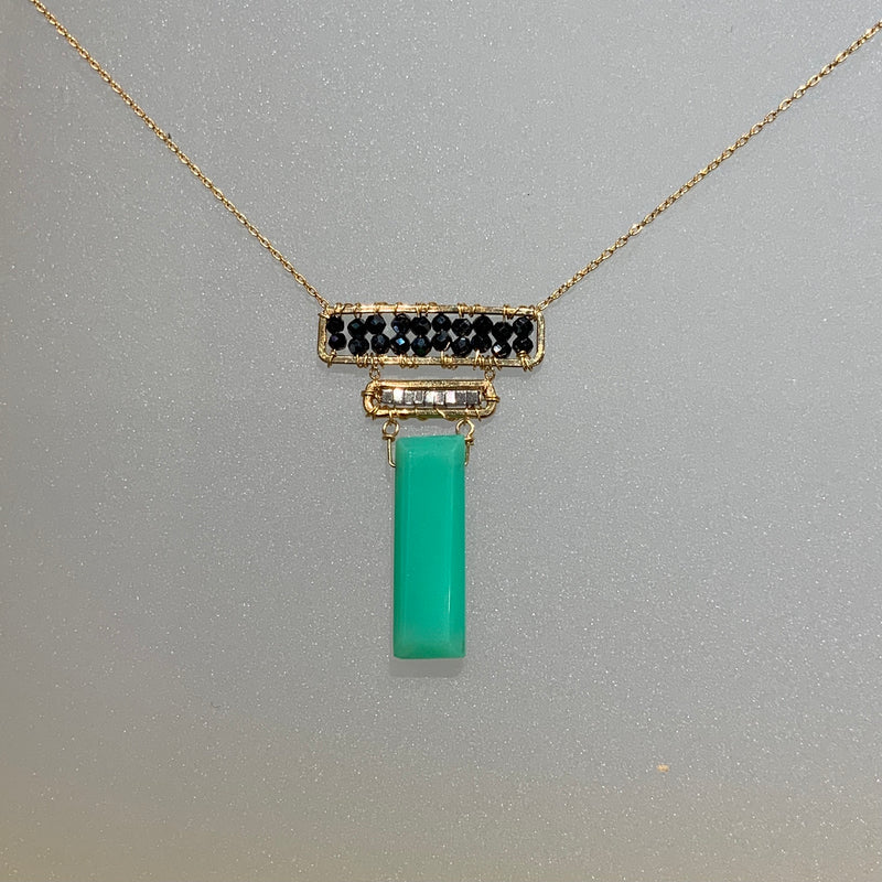 BLACK SPINEL, LIGHT SILVER HEMATITE AND CHRYSOPRASE NECKLACE