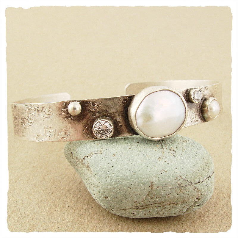 SILVER CUFF WITH COIN PEARL AND CUBIC ZIRCONIA