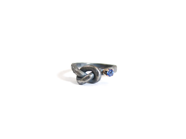 KNOT & SAPPHIRE RING