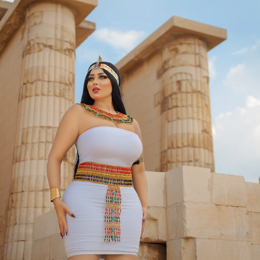 EGYPTIAN MODEL ARRESTED FOR 'INAPPROPRIATE' PHOTOSHOOT
