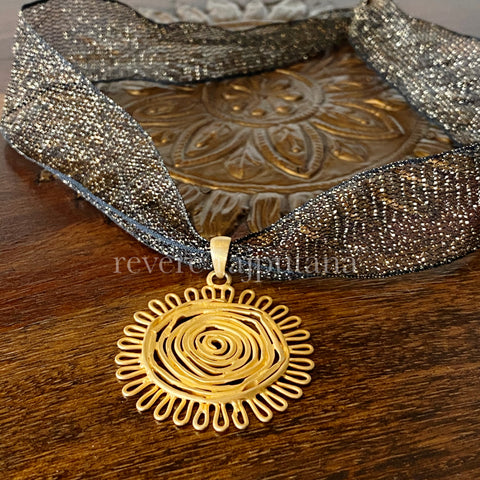El sol Brilla Necklace