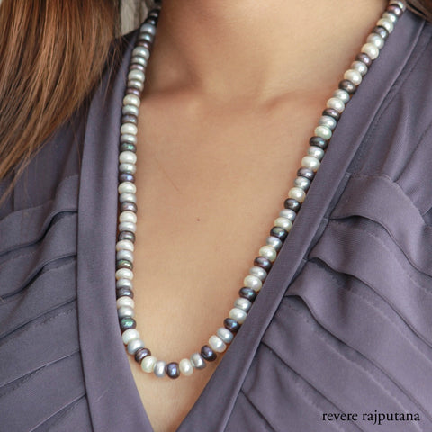 Le Gris Necklace
