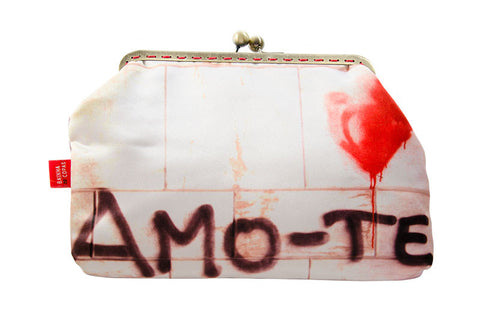 "Bainha de Rua Wallet, Purse & Shoulder Bag ""Amo-te"""