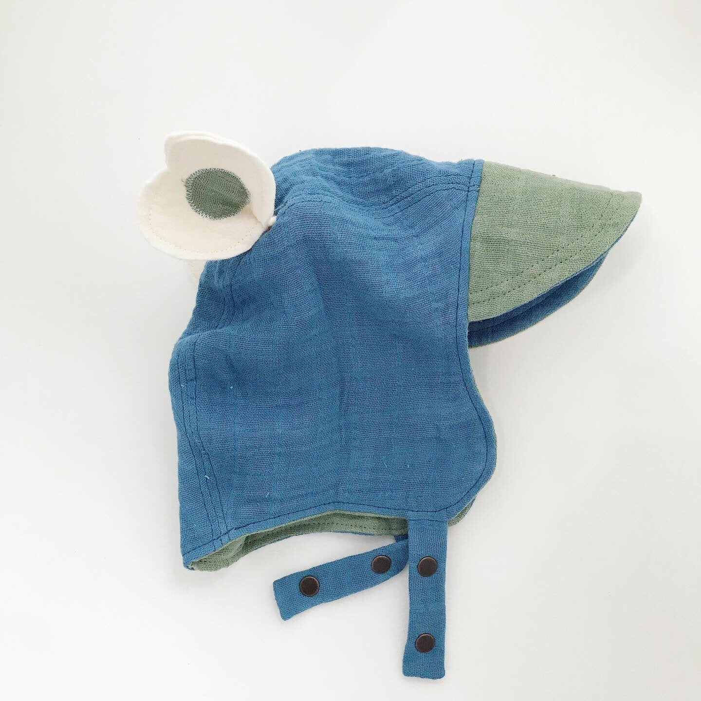 Hand Dyed Signature Organic Bonnet - Blue/Green