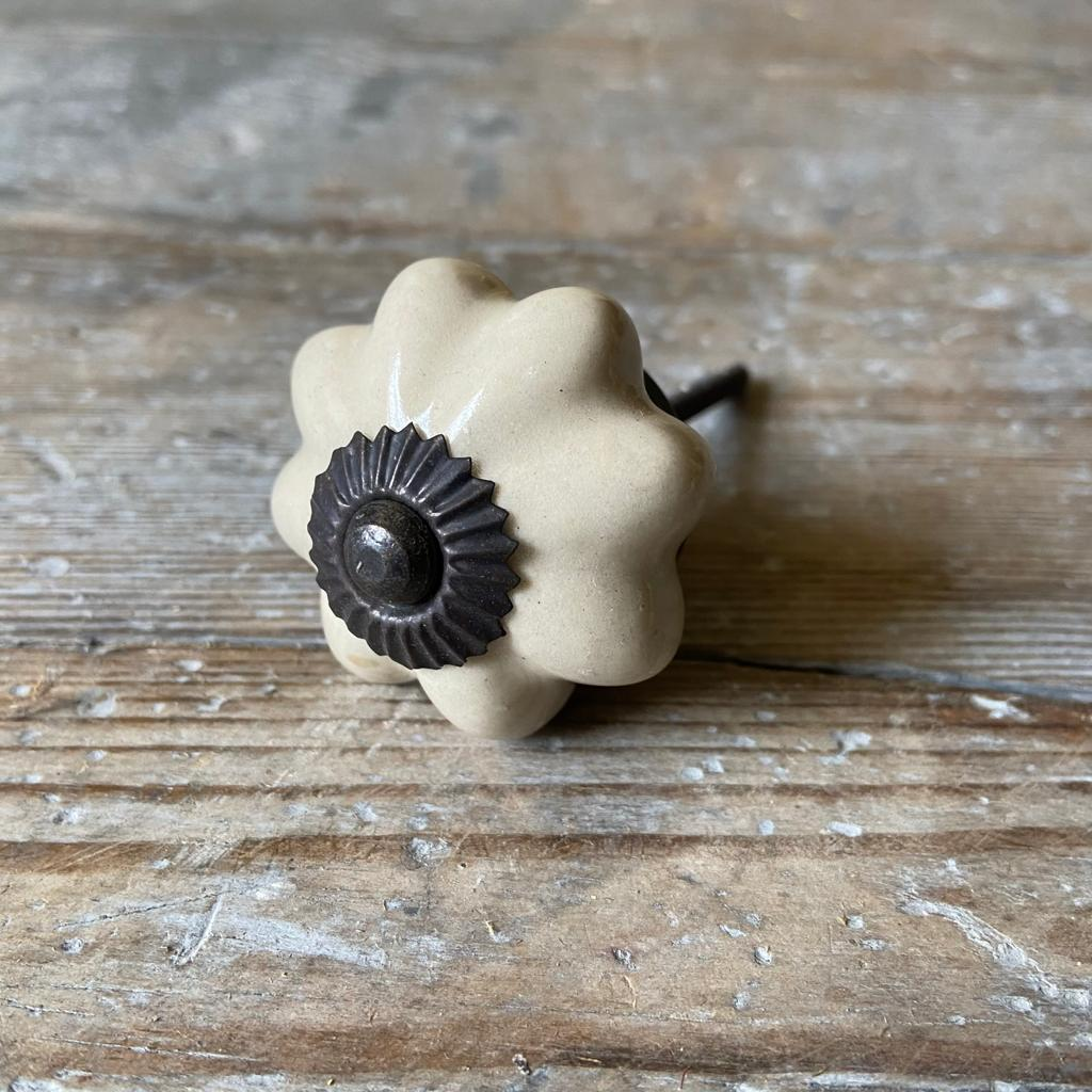 Ceramic Flower Shaped Door Knob - Homeware Store