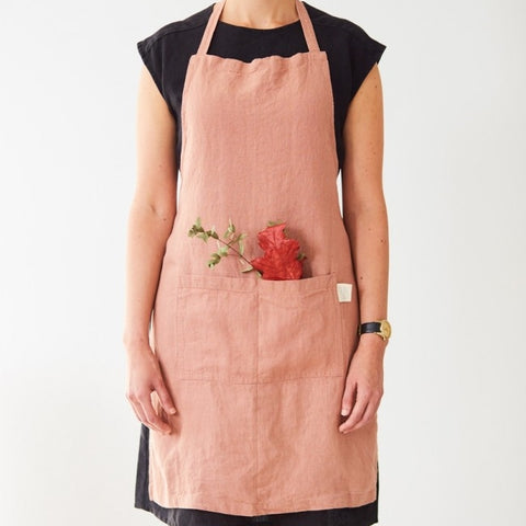Washed linen apron in Blush