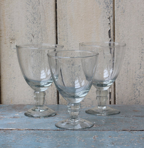 Elegant recycled wine glass. Dansi