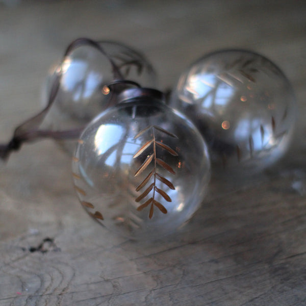 Etched Leaf Glass Bauble