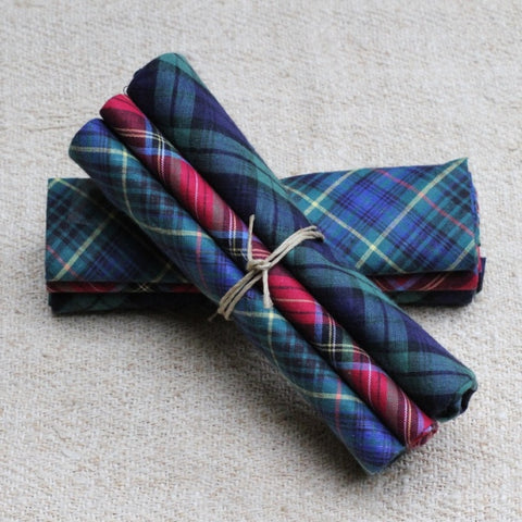 Classic tartan handkerchiefs, the perfect gift!