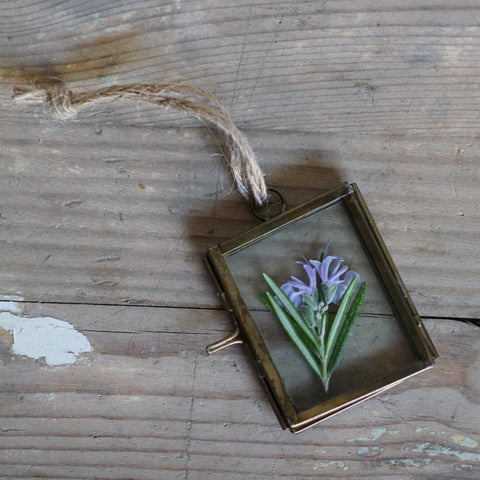 Tiny Hanging Frame