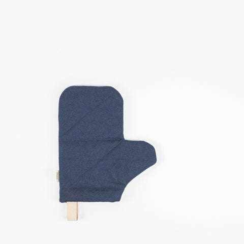 Ferm Living Canvas Oven Mitt (blue)