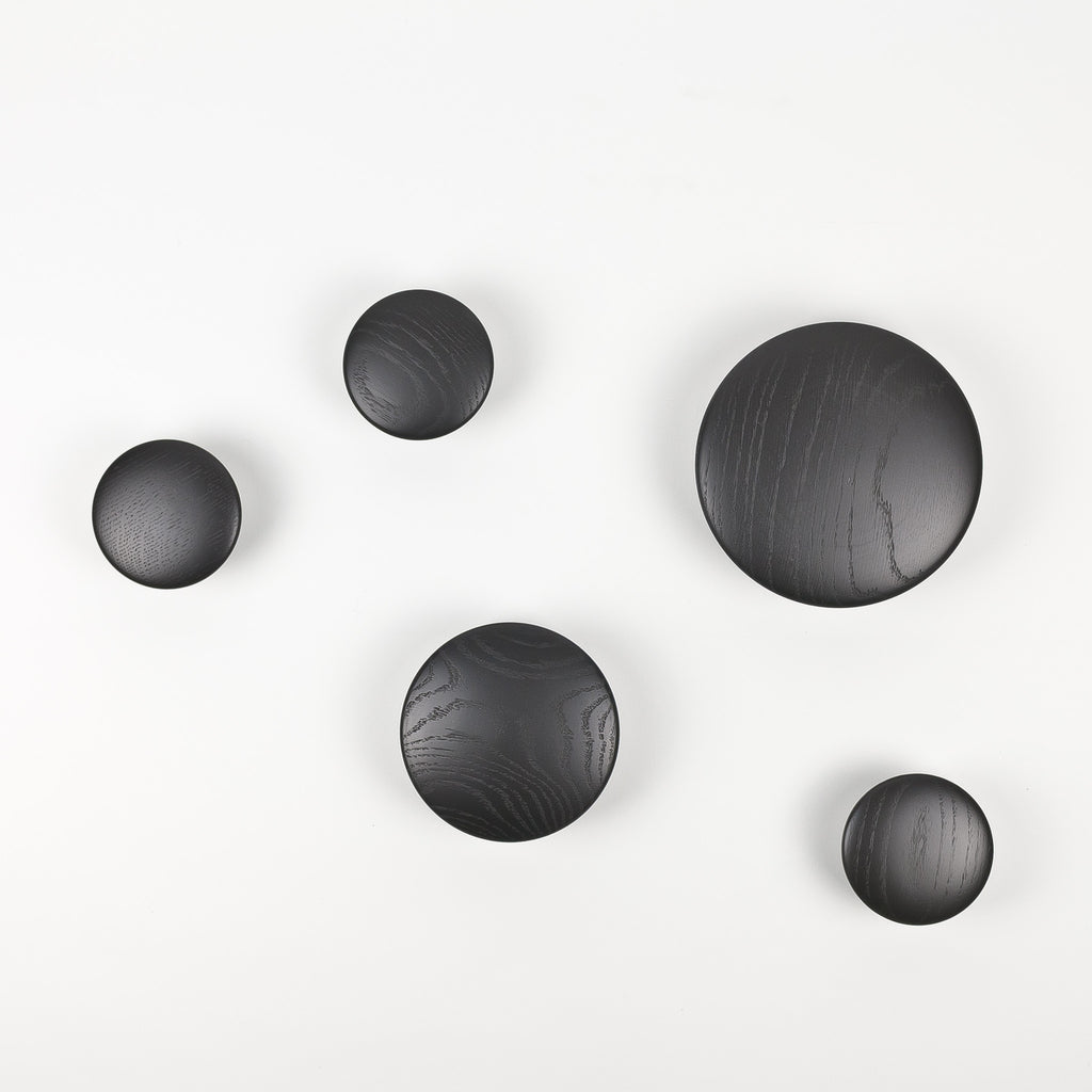 muuto the dots black individual and set of 5 arrival hall. Black Bedroom Furniture Sets. Home Design Ideas