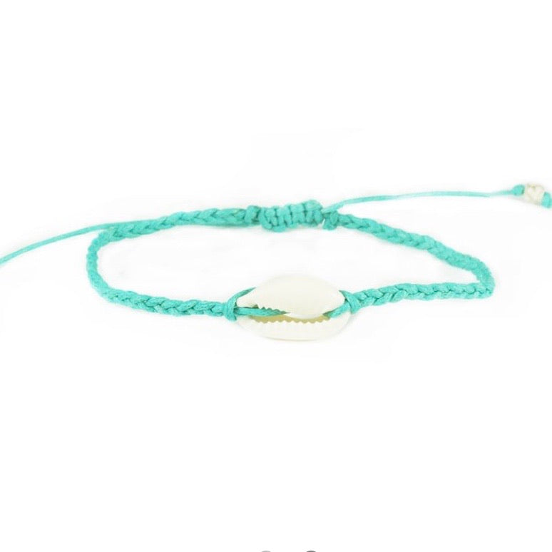 A 'o ia! Braided Shell Bracelet