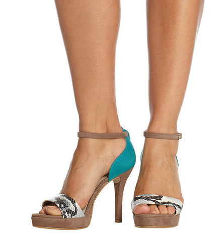 Once-Worn River High Heel in Turquoise by Olsenhaus, Size 8 (FS)